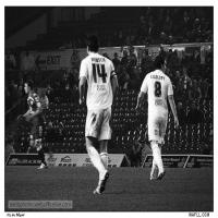 Jonny And Neil Move It Up-Field