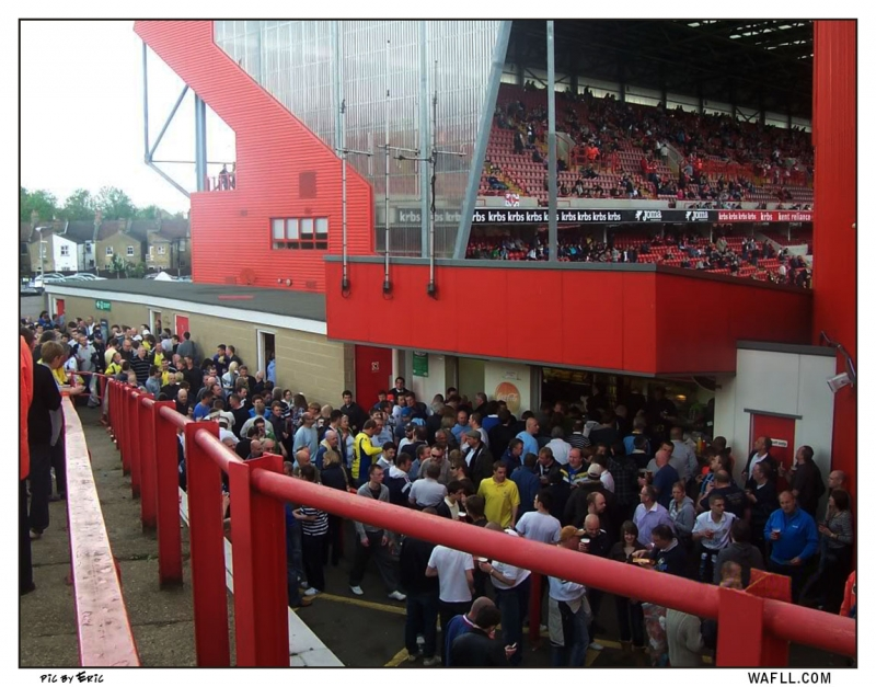 Queue At The Valley